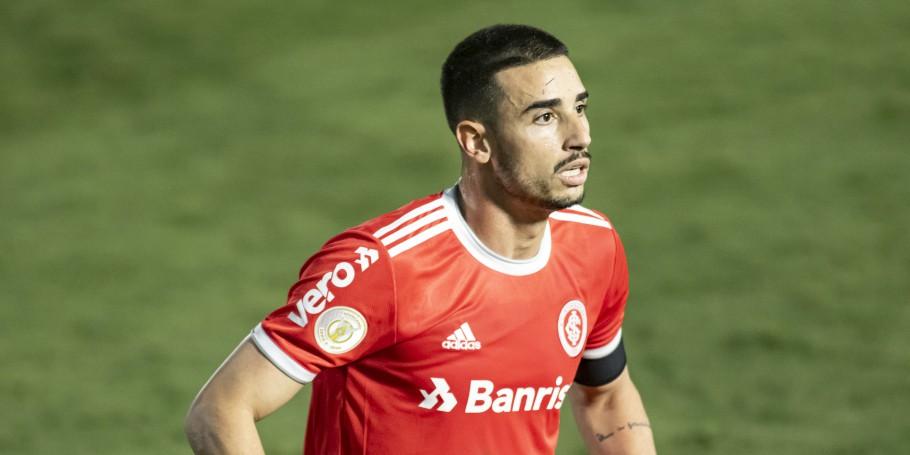 Galhardo Marca Duas Vezes E Internacional Bate O Rb Bragantino Pelo Brasileirao